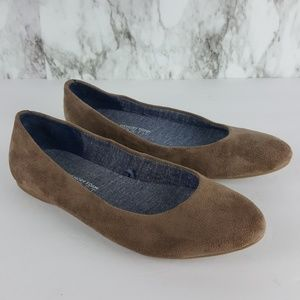 Dr. Scholl's Giorgie Taupe Faux Suede Flats 7 7F80